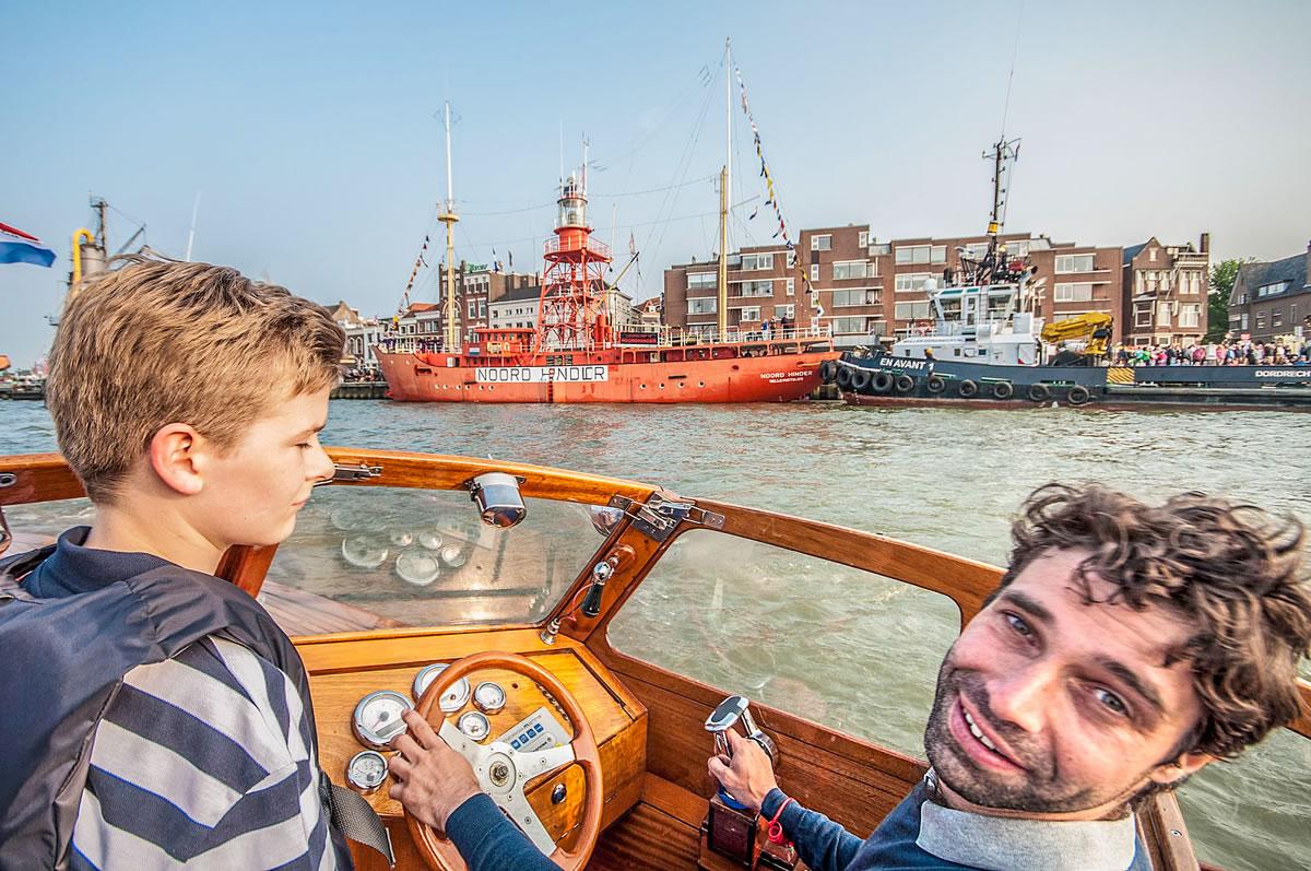 Aan boord bij Elio Barone tijdens de vlootschouw van Dordt in Stoom