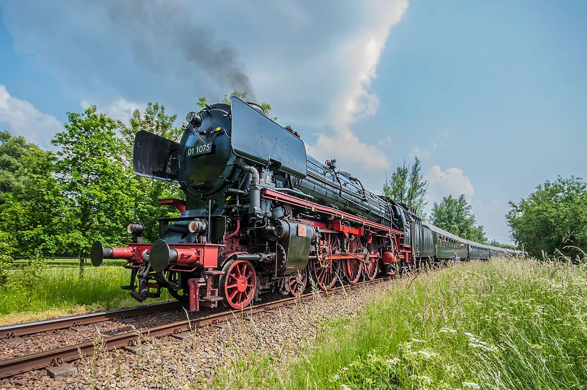 Stoomtrein 01 1075 tijdens Dordt in Stoom